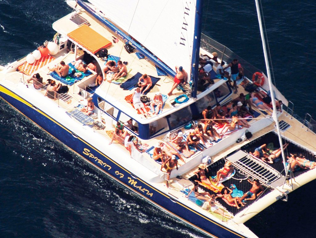 "Catamarán ""Spirit of Malta"""